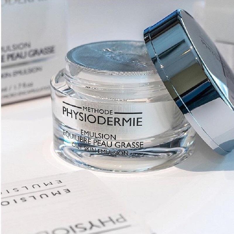 Kem dưỡng kiểm soát dầu Oily Skin Emulsion