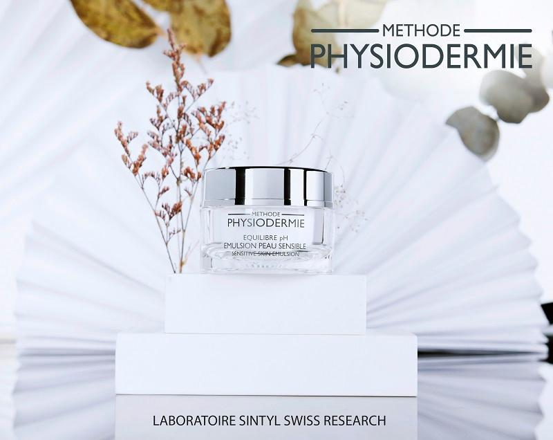 Kem dưỡng phục hồi da sau laser, nhiễm corticoid, làm dịu da nhạy cảm Sensitive Skin Emulsion là cách thải độc da bị nhiễm corticoid tốt nhất