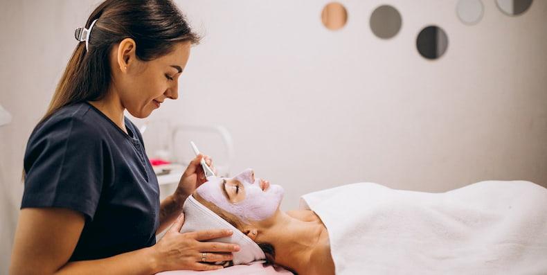 10 loại mặt nạ thải độc da tự nhiên bạn nên thử