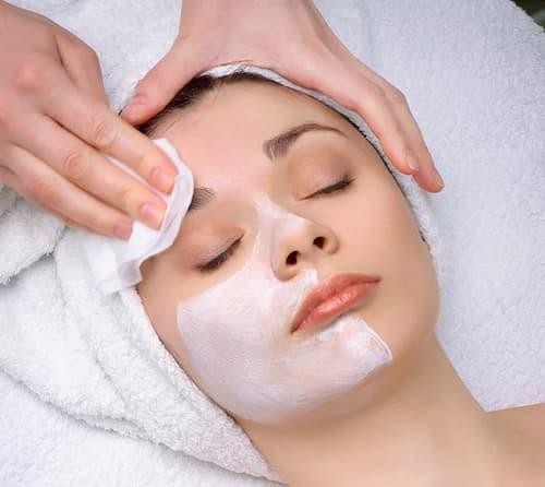 Hãy dùng mặt nạ ngủ để sáng hôm sau da bạn hồng hào và căng mọng