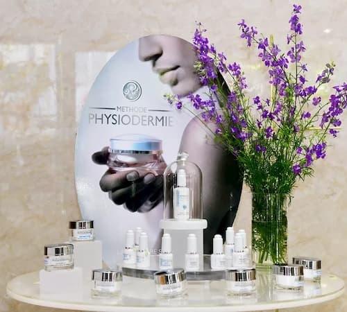 Liệu trình thải độc da mặt tại spa sử dụng 100% dược mỹ phẩm thiên nhiên trị liệu Thụy Sĩ Physiodermie