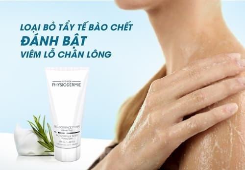 Sau khi dùng tinh dầu tắm phải dùng tẩy tế bào chết toàn thân nhé!