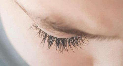 Giữ vệ sinh vùng mắt