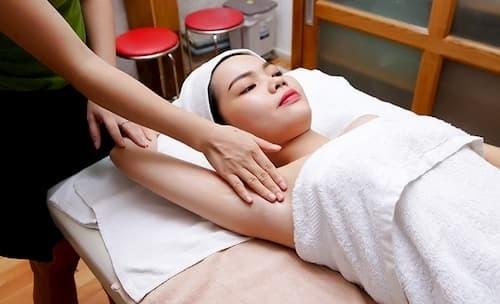 Massage là cách tác động trực tiếp đến hệ bạch huyết nhằm thải độc tốt hơn