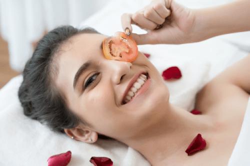 Đắp mặt nạ là một liệu pháp thư giãn tốt nhất đối với phụ nữ