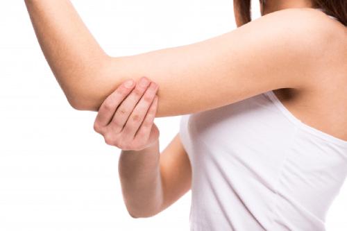 Viêm lỗ chân lông ở cánh tay có chữa khỏi không?