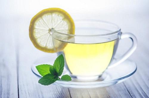 Bổ sung các loại thức uống detox cơ thể là 1 trong 4 phương pháp thải độc da hiệu quả nhất