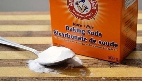 Tẩy tế bào chết môi bằng baking soda