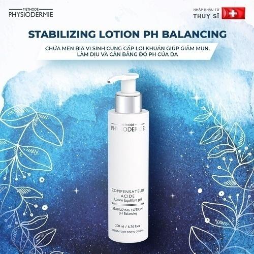 Nước hoa hồng cân bằng pH cho da là sản phẩm cần thiết ở bước này vừa có tác dụng làm dịu da, se lỗ chân lông vừa diệt khuẩn